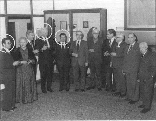 Эдинбург, март 1977. Слева направо в кружках: «журналист» Лагутин, Маклин и Андрей Парастаев, культурный атташе посольства СССР в Великобритании.