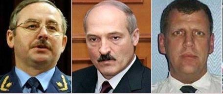 После конспиративной поездки Виктора Шеймана (слева) и фарвестовцев в Вашингтон, на Лукашенко началось давление с целью вернуть Лунева (справа) в свое силовое окружение. В 1995 – 2004 Лунев проводил серые сделки по продаже белорусского оружия на Балканы, палестинцам и т. п. места, одновременно пытаясь склонить Лукашенко к переходу на сторону Запада. В начале 2005 Лукашенко порвал с Луневым как с агентом влияния НАТО. Но уже осенью 2005 они помирились...